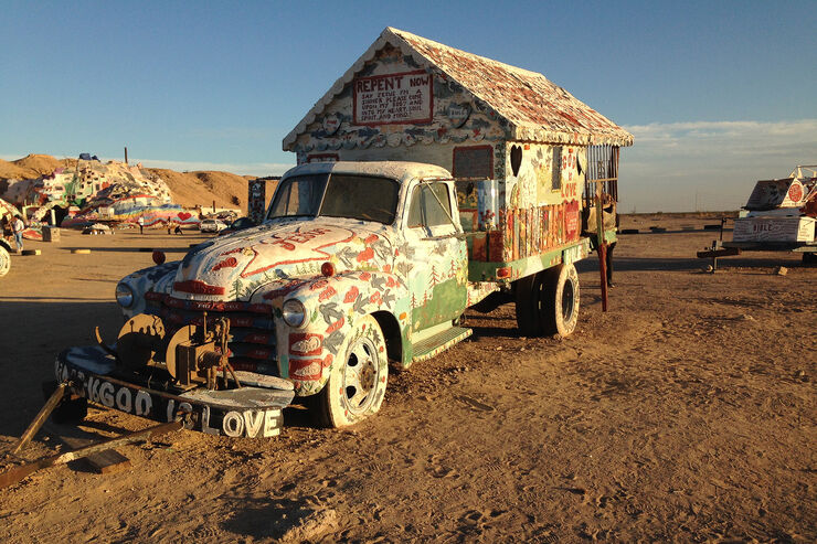 Salvation Mountain Cars, Truck