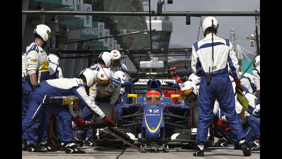 Sauber - Boxenstopp - Formel 1 - 2015