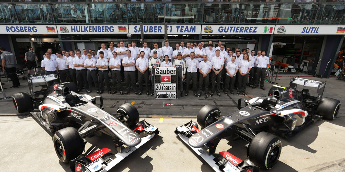 Sauber Teamfoto 2013