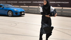Saudi Arabien Frauen Auto fahren