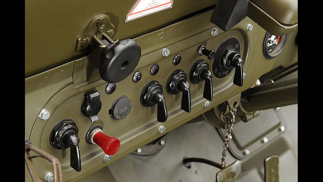 Schaltertafel im DKW Munga