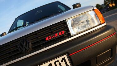 Scheinwerfer und Kühlergrill mit G40-Emblem des VW Polo G40