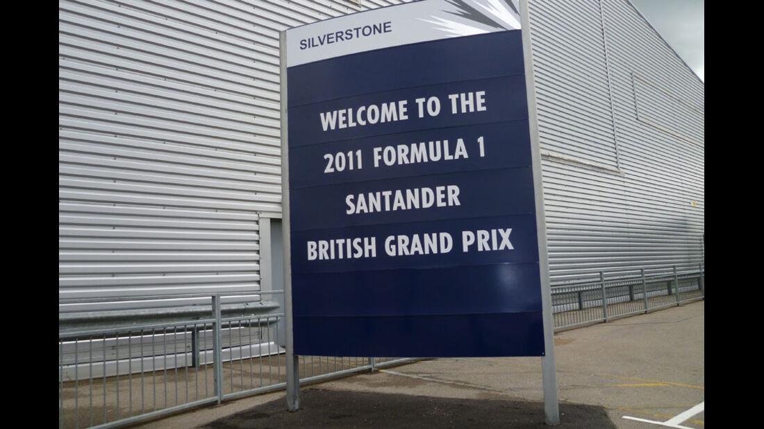 Schild - GP England - Silverstone - Do. 7. Juli 2011