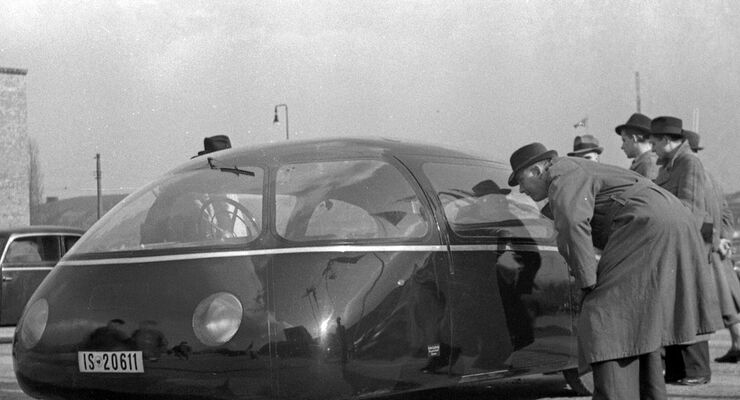 """Schlör-Wagen """"Göttinger Ei"""" auf Basis des heckgetriebenen Mercedes W 170 H."""