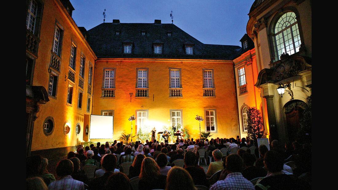 Schloss Dyck, Innenhof