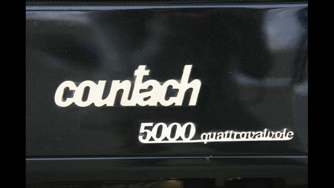 Schriftzug und Typenbezeichnung am Lamborghini Countach LP 5000 QV