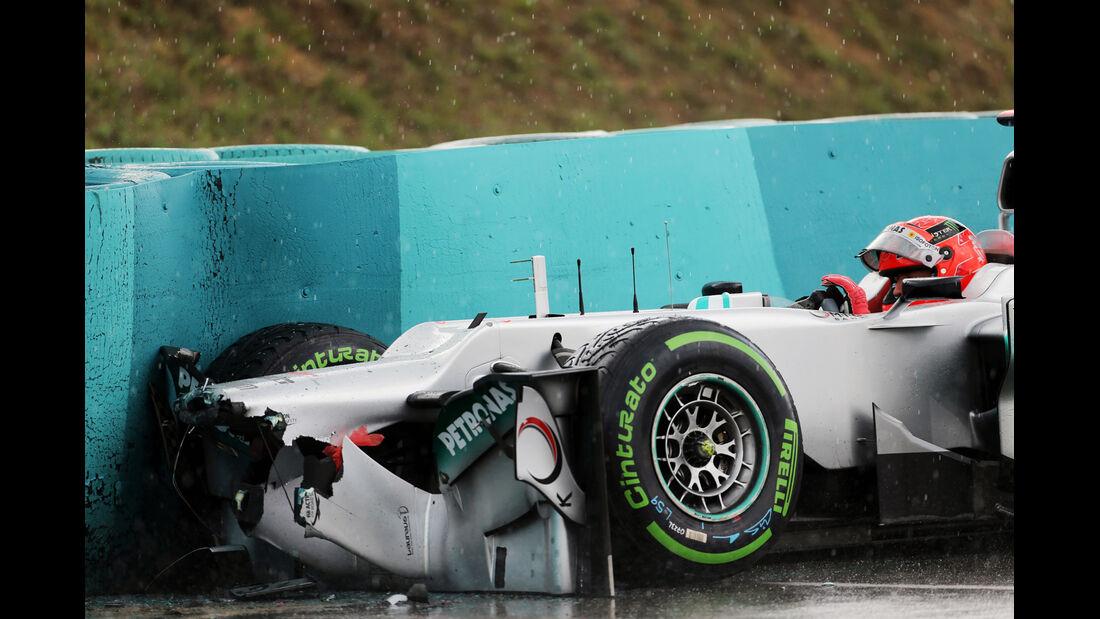 Schumacher GP Ungarn F1 Crashs 2012