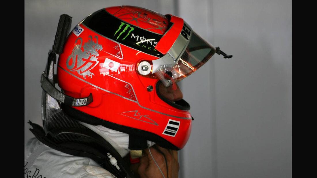 Schumacher Helm  - Formel 1 - GP Japan - 07. Oktober 2011