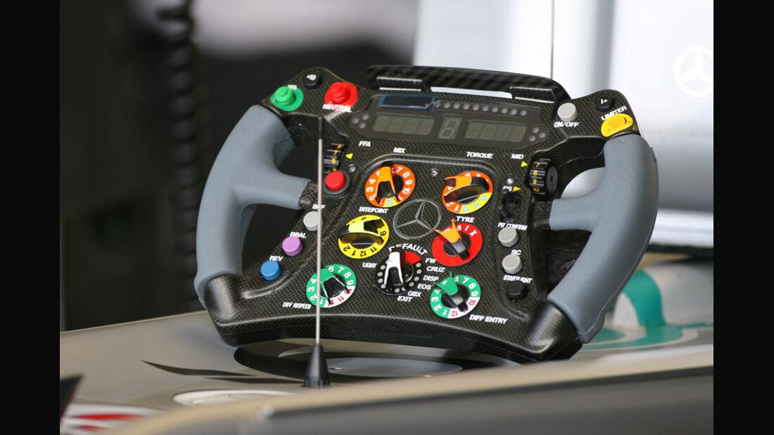 Schumacher-Lenkrad 2010