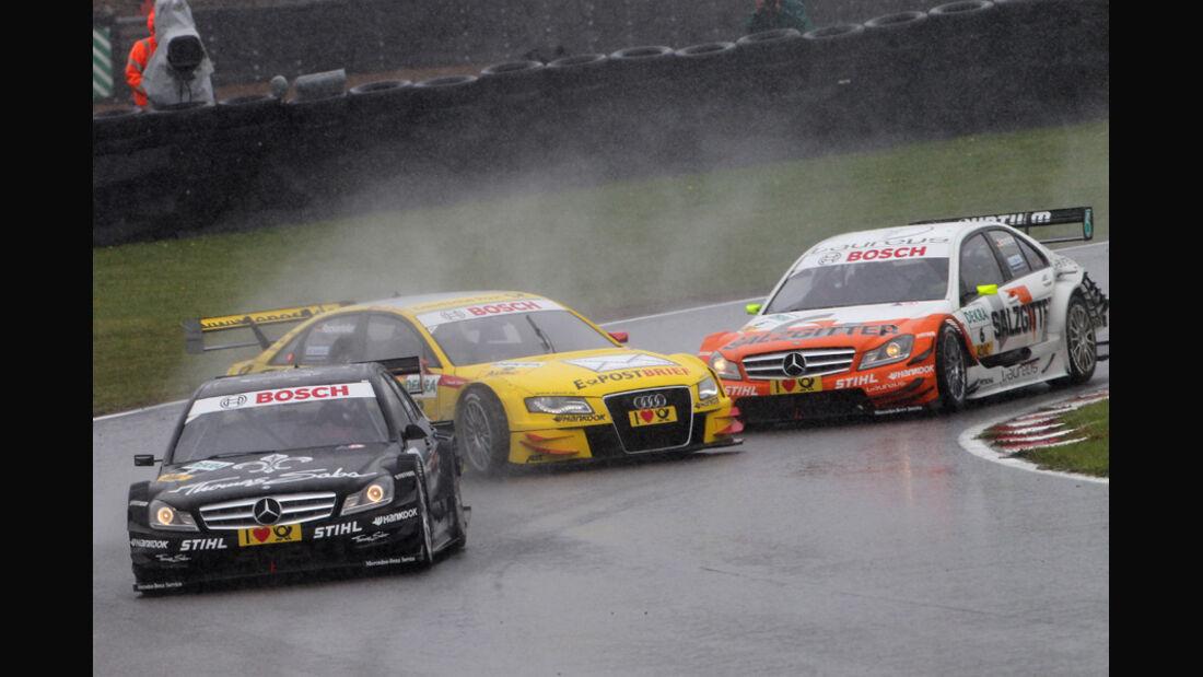 Schumacher vs. Rockenfeller DTM Brands Hatch 2011