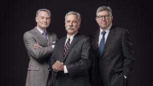 Sean Bratches, Chase Carey und Ross Brawn - F1 Bosse - 2017