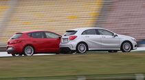 Seat León 1.4 TSI FR, Mercedes A 200 AMG Sport, Seitenansicht