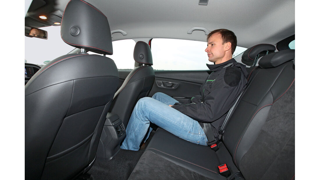 Seat León 1.4 TSI FR, Rücksitz, Beinfreiheit