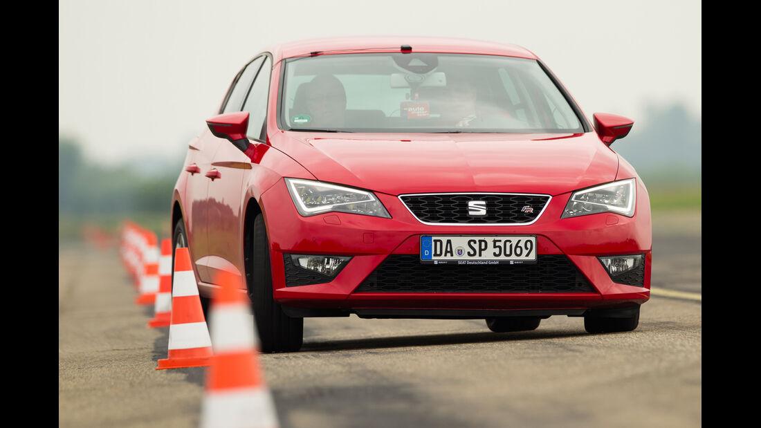 Seat Leon 1.4 TSI, Frontansicht, Slaom