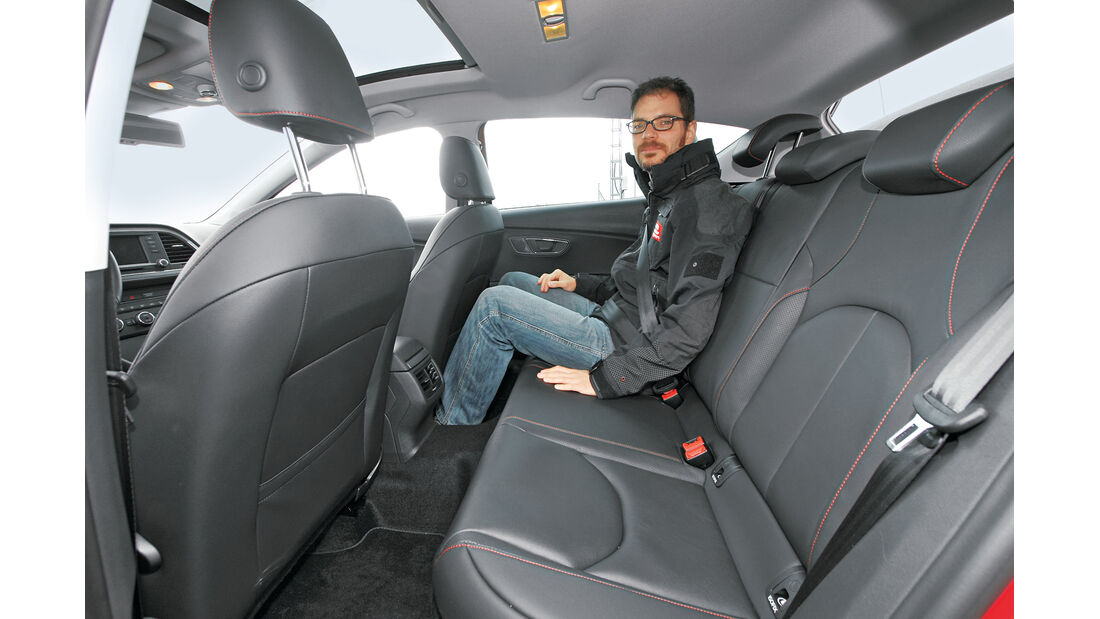 Seat Leon 2.0 TDI, Rücksitz, Beinfreiheit