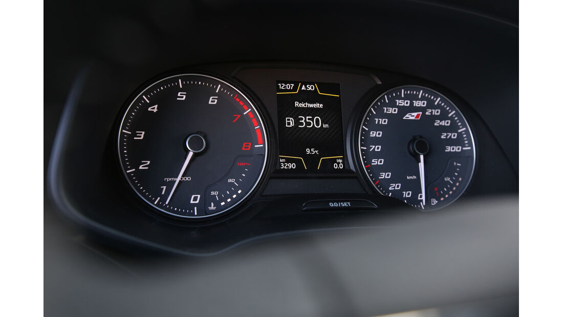 Seat Leon ST Cupra 265, Rundinstrumente