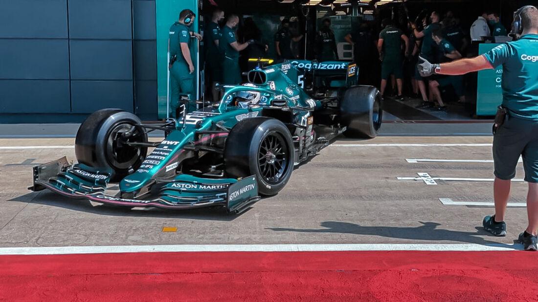 Sebastian Vettel - 18-Zoll - Pirelli-Reifen - Test - Silverstone - 2021