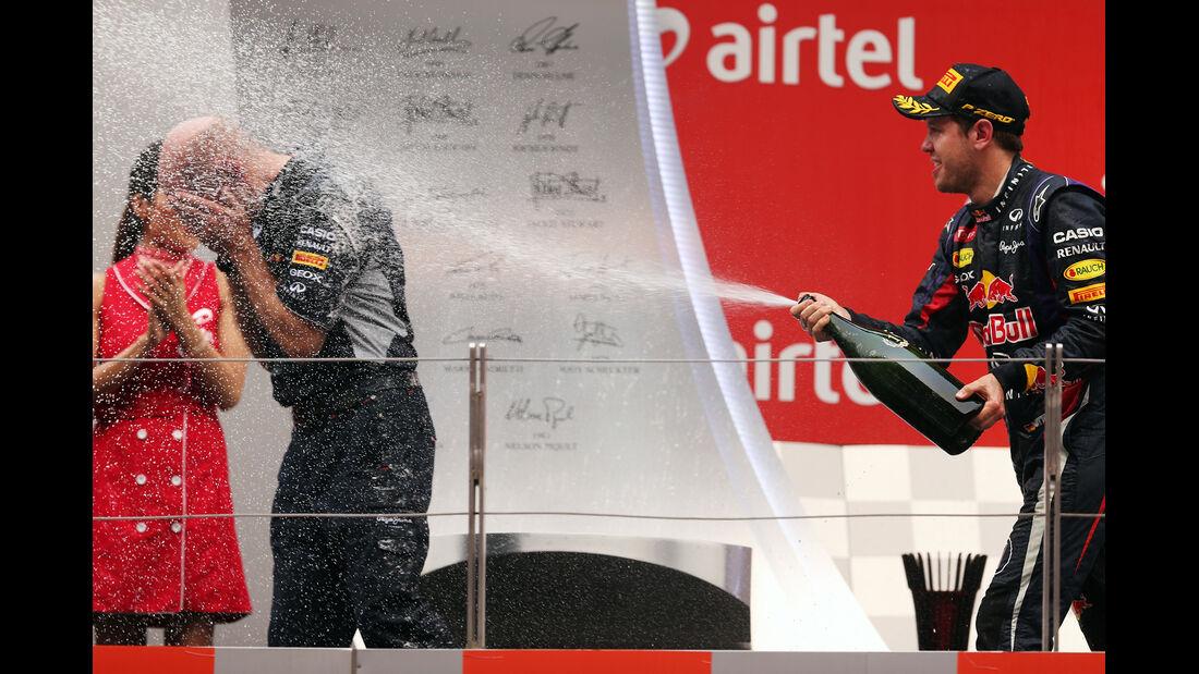 Sebastian Vettel- Adrian Newey - Red Bull - Formel 1 - GP Indien - 27. Oktober 2013