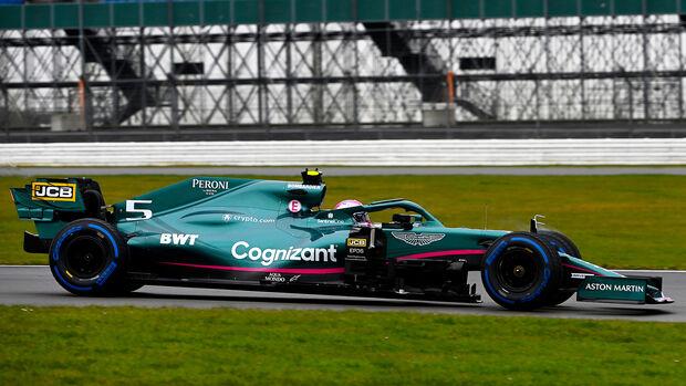 Sebastian Vettel - Aston Martin AMR21 - F1 - Shakedown - Silverstone