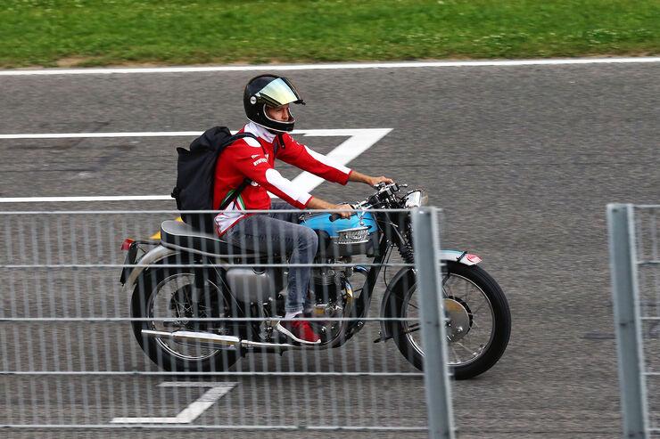Sebastian Vettel - Bike - Formel 1 2016