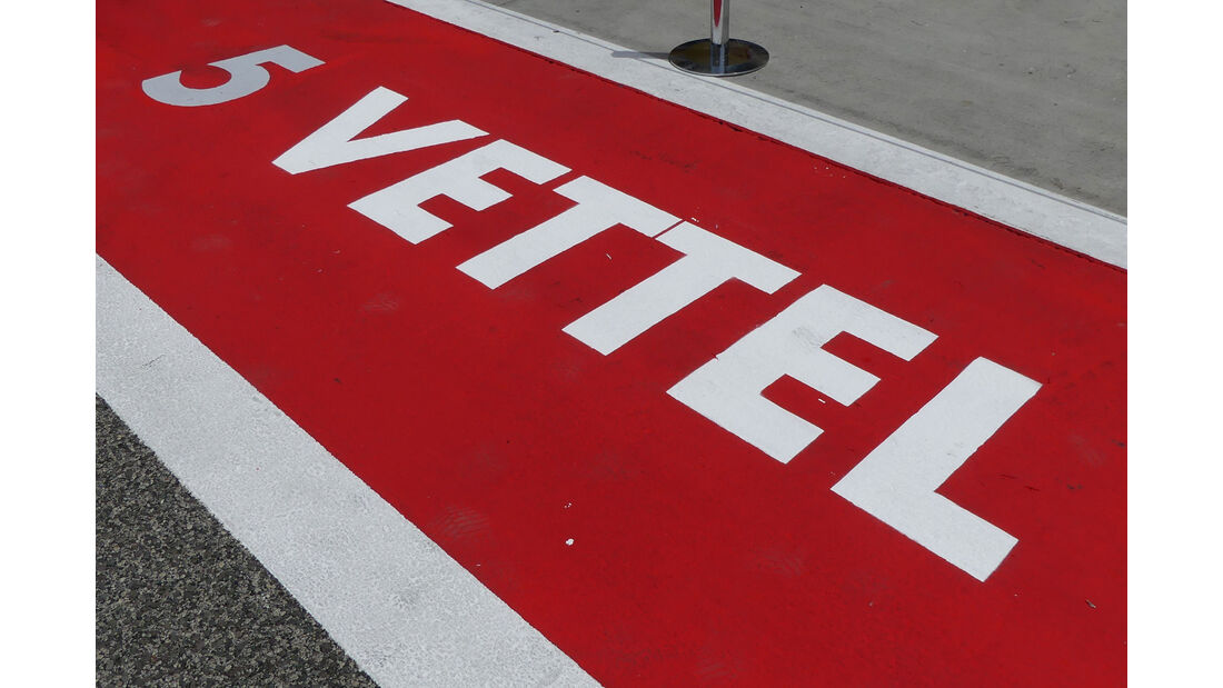 Sebastian Vettel - Ferrari - Formel 1 - GP Bahrain -Sakhir - Donnerstag - 13.4.2017