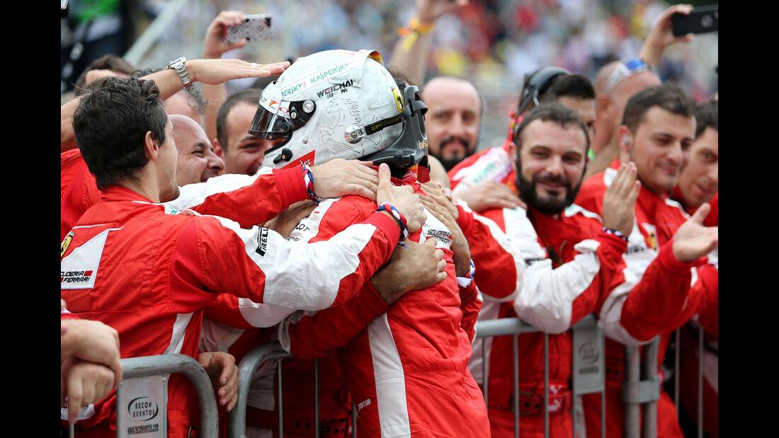 Sebastian Vettel - Ferrari - Formel 1 - GP Brasilien- 15. November 2015