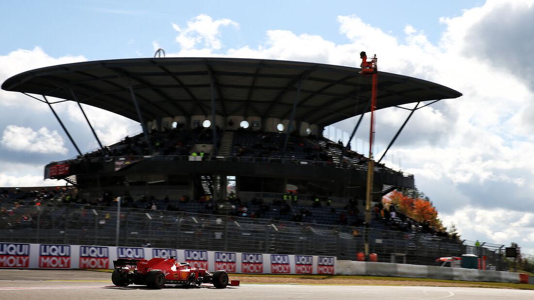 [Imagen: Sebastian-Vettel-Ferrari-Formel-1-GP-Eif...731491.jpg]