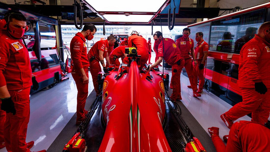 [Imagen: Sebastian-Vettel-Ferrari-Formel-1-GP-Eng...711438.jpg]