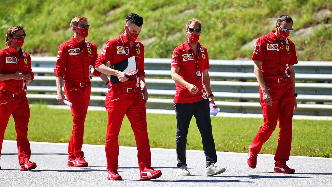 [Imagen: Sebastian-Vettel-Ferrari-Formel-1-GP-Oes...703456.jpg]