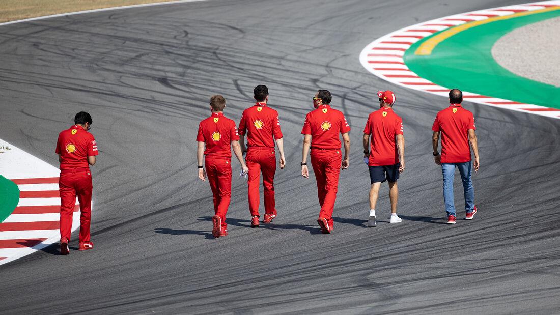[Imagen: Sebastian-Vettel-Ferrari-Formel-1-GP-Spa...714535.jpg]
