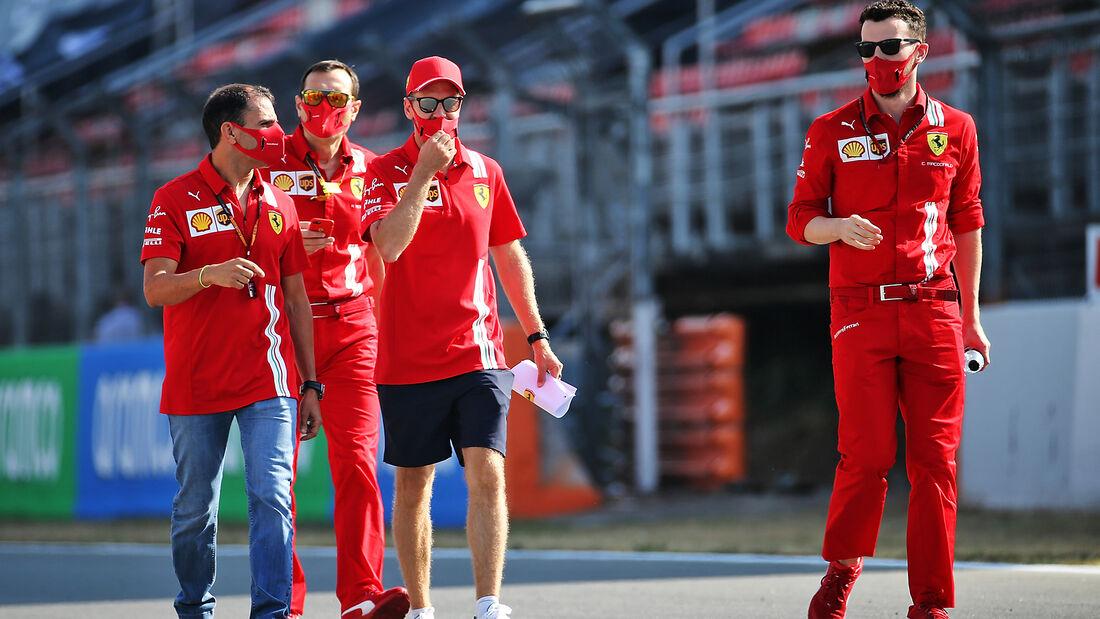 [Imagen: Sebastian-Vettel-Ferrari-Formel-1-GP-Spa...714525.jpg]