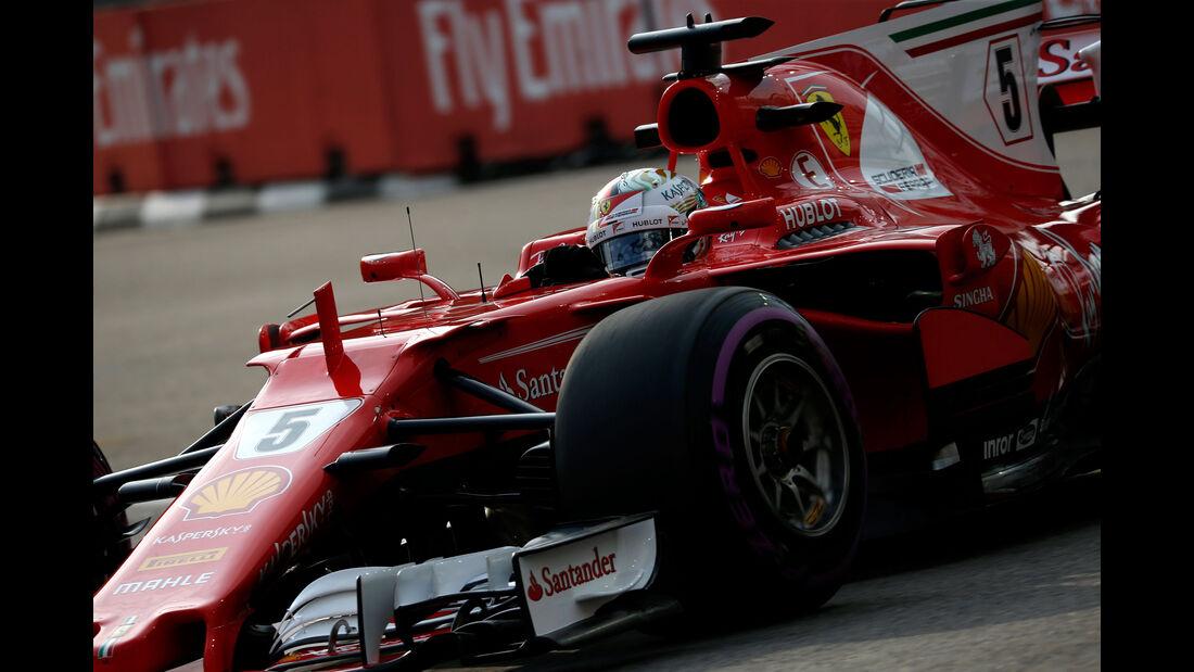 Sebastian Vettel - Ferrari - GP Singapur - Formel 1 - Freitag - 15.9.2017