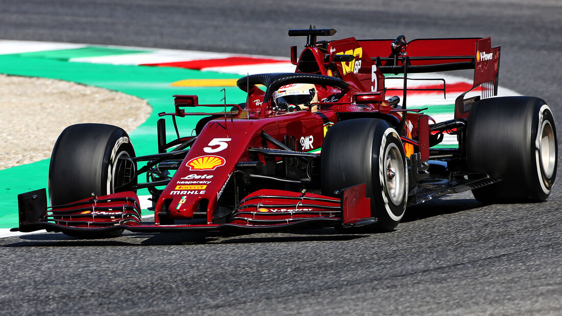 [Imagen: Sebastian-Vettel-Ferrari-GP-Toskana-Muge...722570.jpg]