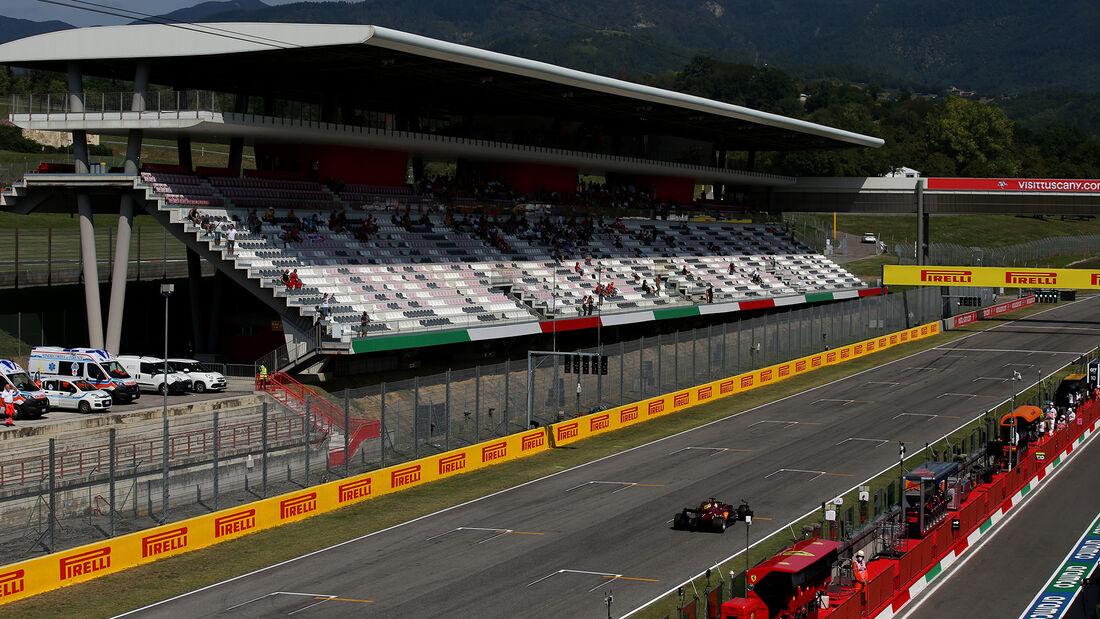 [Imagen: Sebastian-Vettel-Ferrari-GP-Toskana-Muge...722592.jpg]