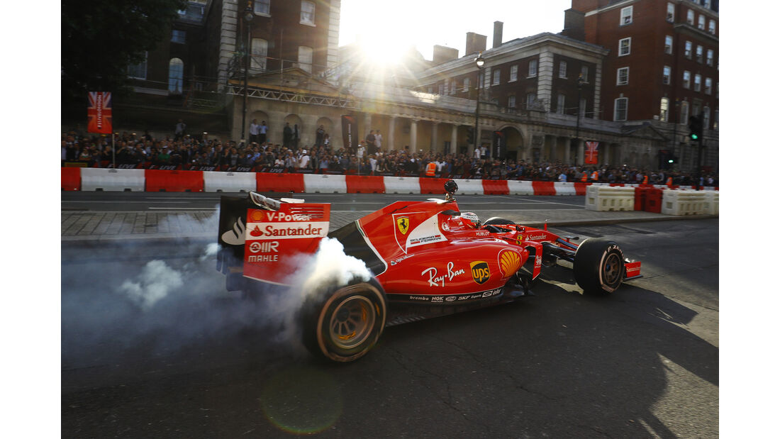 Sebastian Vettel - Ferrari SF15-T - F1 Live Show - London - 2017