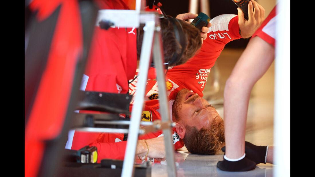 Sebastian Vettel - Ferrrai - F1-Testfahrten - Abu Dhabi - 27.11.2018