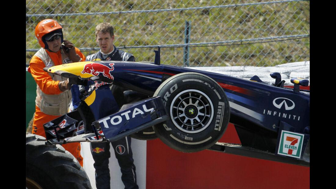Sebastian Vettel GP Japan 2011 Crash