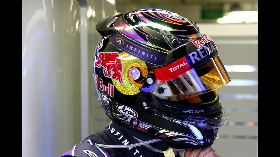 Sebastian Vettel - Helm - GP Singapur 2014