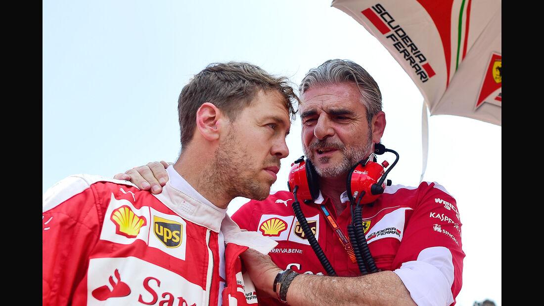 Sebastian Vettel & Maurizio Arrivabene - Ferrari - Formel 1 - 2017