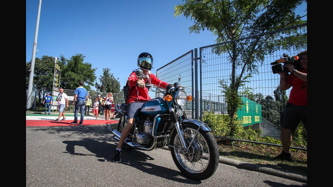 Sebastian Vettel - Motorrad - GP Ungarn 2017