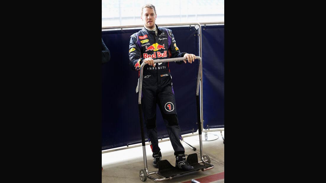 Sebastian Vettel - Red Bull - Bahrain - Formel 1 Test - 2014