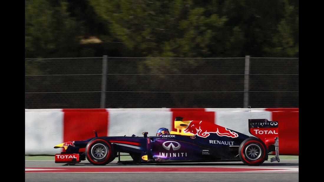 Sebastian Vettel Red Bull F1 Test Barcelona 2013