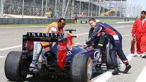 Sebastian Vettel - Red Bull - Formel 1 - Bahrain - Test - 1. März 2014