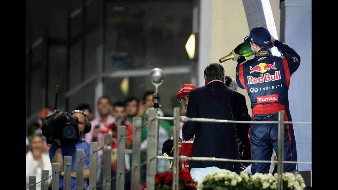 Sebastian Vettel Siegerehrung  - Formel 1 - GP Abu Dhabi - 04. November 2012