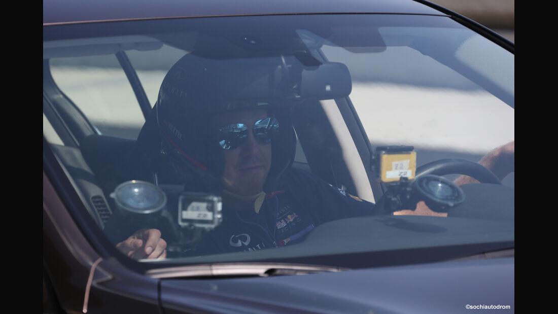Sebastian Vettel - Sochi-Showrun - Infiniti Q50 - 2014