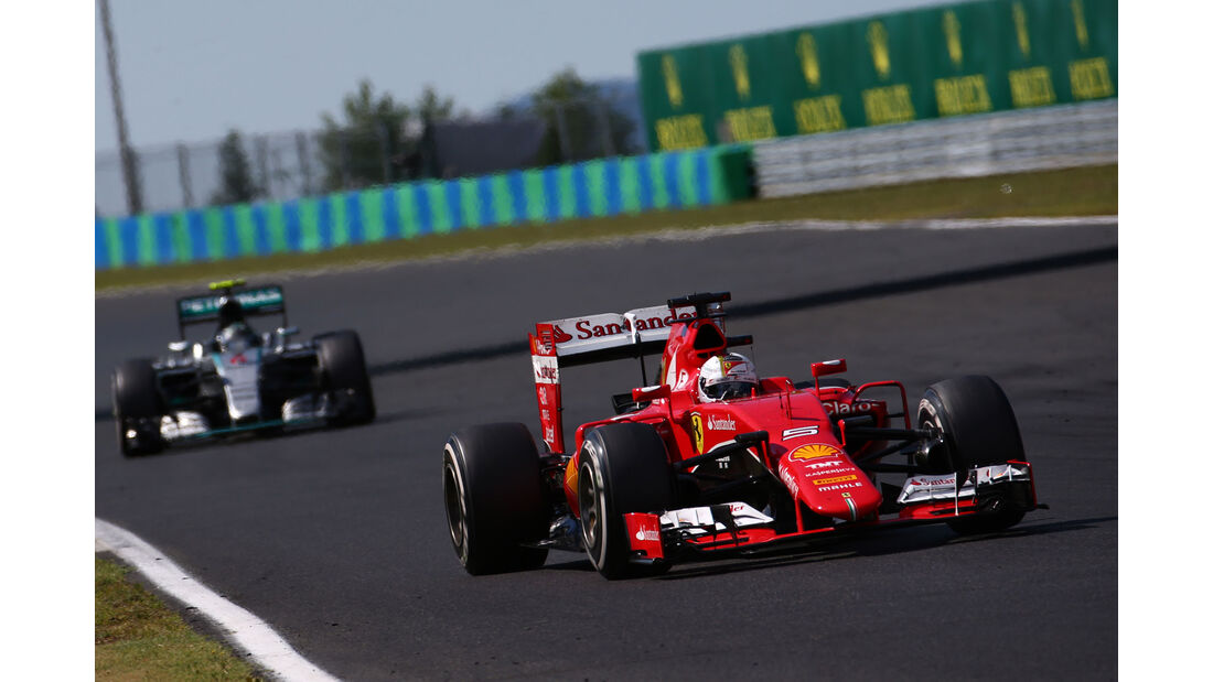 Sebstian Vettel - Ferrari - Nico Rosberg - Mercedes - GP Ungarn - Budapest - Rennen - Sonntag - 26.7.2015