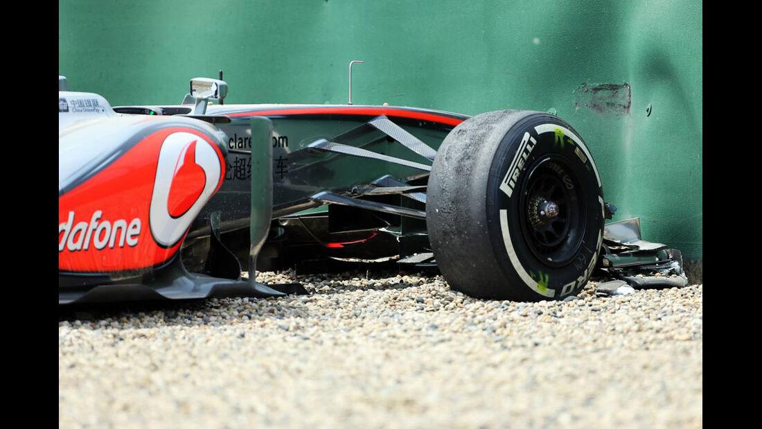 Sergio Perez Crash - Formel 1 - GP China - 12. April 2017