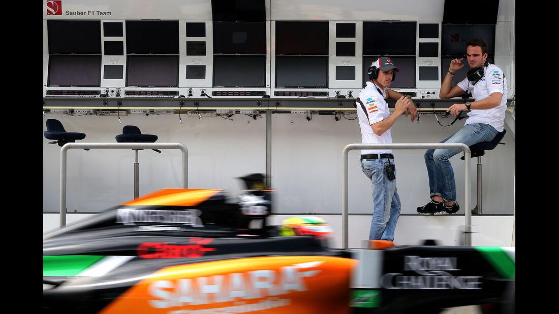 Sergio Perez - Force India - Adrian Sutil - Giedo van der Garde - Sauber - Formel 1 - Test - Bahrain - 28. Februar 2014