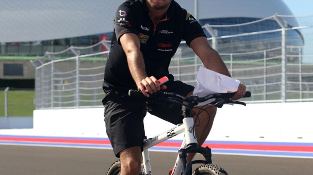Sergio Perez - Force India - Formel 1 - GP Russland - Sochi - 9. Oktober 2014