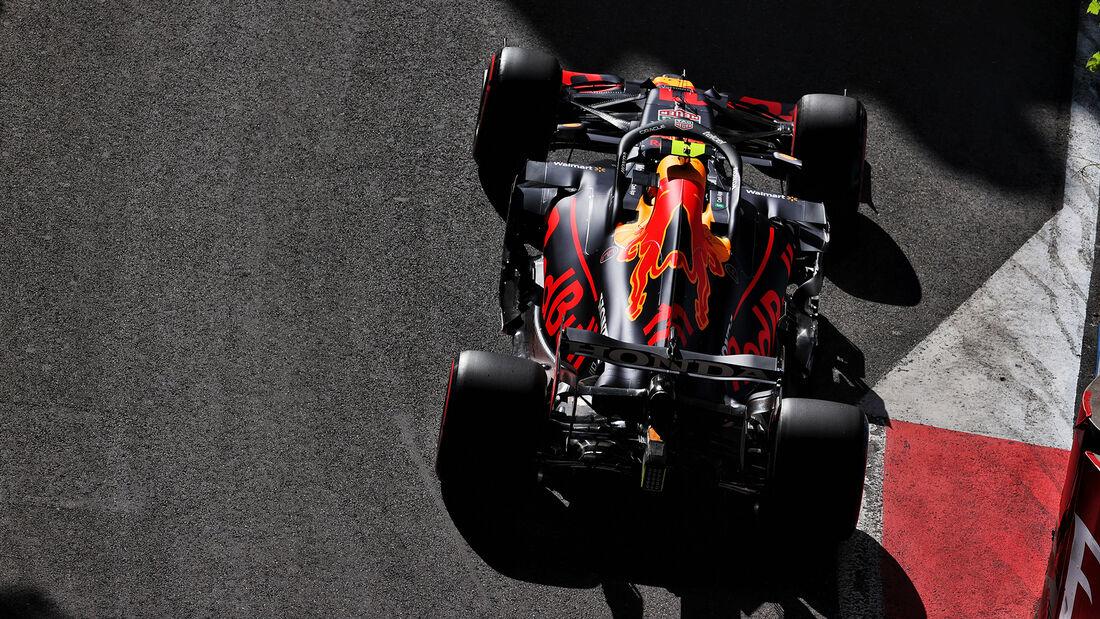 Sergio Perez - Red Bull - Formel 1 - GP Aserbaidschan - Baku - Freitag - 4.6.2021